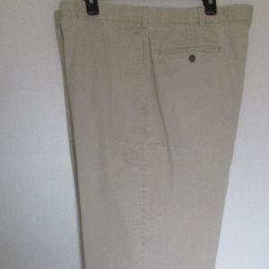 LL Bean Men's Classic-Fit Khaki Chino Pants  42X29